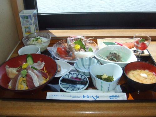 酒田<br /><br />さかた海鮮市場の食堂<br /><br />夏の御膳1260円