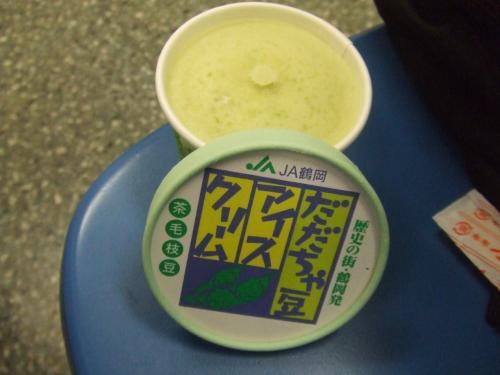 酒田<br /><br />酒田駅で購入のだだちゃ豆のアイス