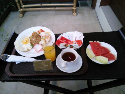 2日目<br /><br />朝食はイマイチとの口コミを見ていたのですが期待度が低かったからか美味しく頂きました(*^.^*)<br /><br />場所はロビーか部屋が選べたので部屋にしてテラスで朝食です!!<br />