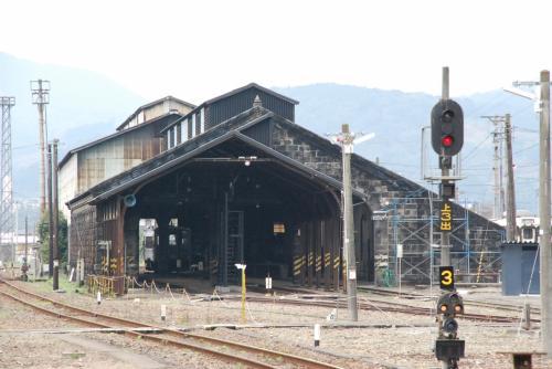 人吉機関区<br /><br />人吉はかつて矢岳峠を越すための蒸気機関車が集結していたところです。