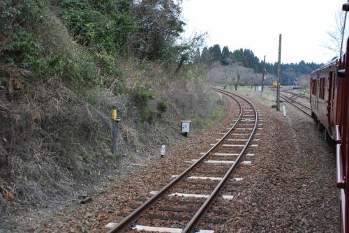 大畑駅を出発<br /><br />まず、スイッチバック折り返し地点にバックします。<br />次に、左側の線路を通りループ線を一気に矢岳方面へ登ります。