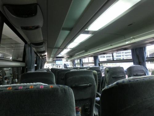 羽田から成田へはリムジンバスで移動です。<br />3100円はちょっと高いです。