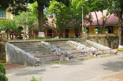 敬天殿の階段<br />王様が使用した階段です。<br /><br />この上も、欧風建築物です(汗