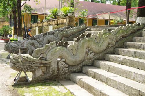 すごい龍の飾り<br />本当に、中国の影響を強く受けていたことがわかりますが、技術がすごい