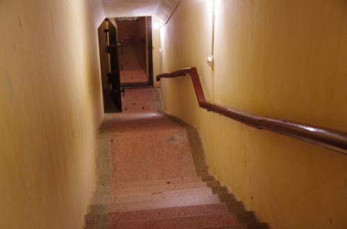 総司令部跡は、地下10m降りたところです