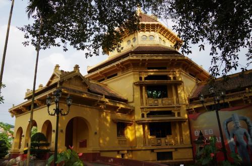 最期は、歴史博物館へ<br />実は、この歴史博物館自体、フランスがベトナム進出をした際に、最初にベトナムがフランスに割譲した土地だそうで歴史的に意味の深い場所でした。
