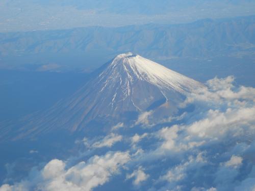 ズームで最大限に。<br />やっぱり富士山は最高