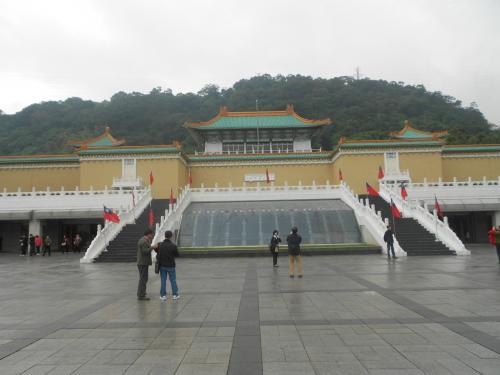 これが、故宮博物院<br />お目当ての、古代青銅器の鼎をたくさん見ることができました。<br /><br />残念だったのは、ここも北京と違い写真は撮れませんでした。