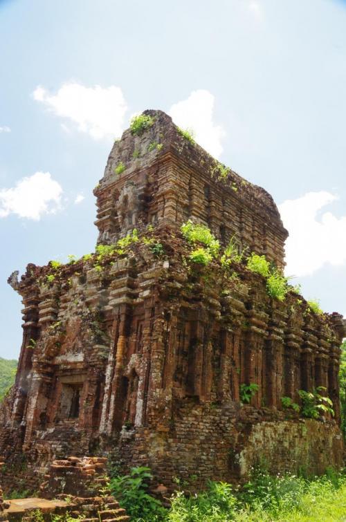 これは、最も大きなグループCの寺院でした。<br />とても美しい外観です<br />