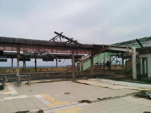 富岡駅に到着。<br />駅舎がながされてしまい、ありません。