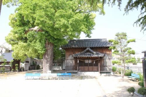 現在では本丸側に清山神社があります。