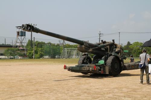 姫路の特科連隊からきた155mm砲、