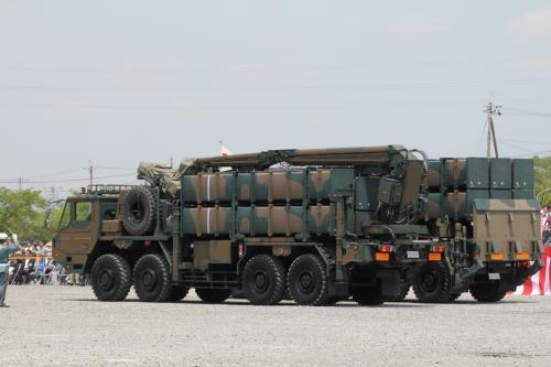 中距離対空ミサイル、中SAM、とても大きいですね。
