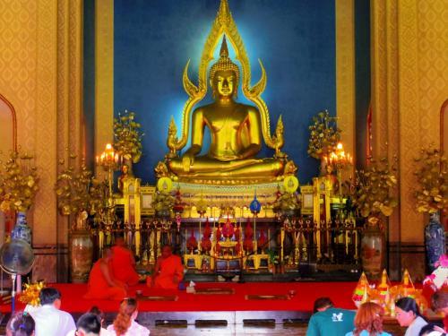 中の仏像がまた今まで見てきた中でも、最高に素晴らしいかった。