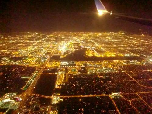 サンフランシスコ観光を終え、ラスベガスに向かいます。<br />ベガス到着直前の夜景です。<br />荷物は先にベガスに到着してました。