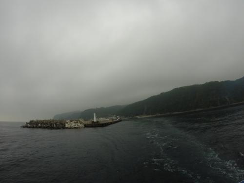 最初の到着島は大島。<br />天気が悪い・・・