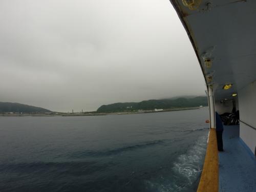 大島、利島、新島、式根島、と寄ってから神津島
