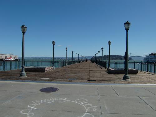 雰囲気のある桟橋。