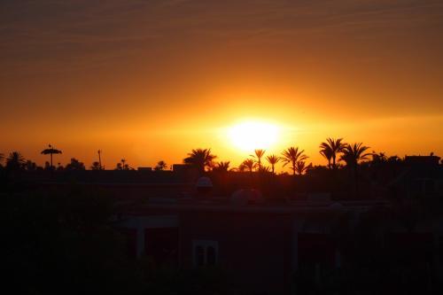 太陽が傾いてきちゃった<br />この事件のお蔭で綺麗な日没を堪能いたしました<br />