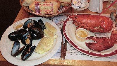 ロブスター<br /><br />夕食はNorth Rusticoへ戻り、Fisherman's Wharfでロブスター♪<br />ロブスター以外のものはバイキングで、料金は3,100円ですから安い!