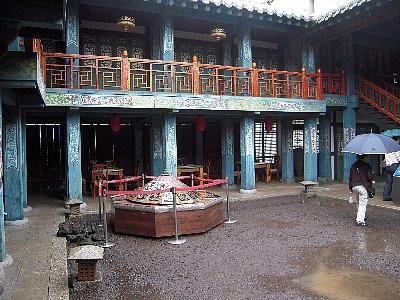 豪華客桟(宿泊施設)と賭博場