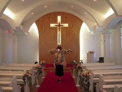 教会の中<br /><br />ガイドさんから借りたジャンパーを着ています。
