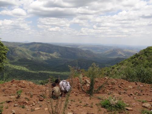 絶景が続きます。もうマゴ国立公園の中を走っています。