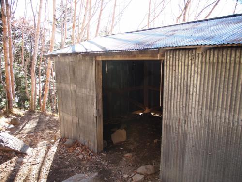 七合目避難小屋