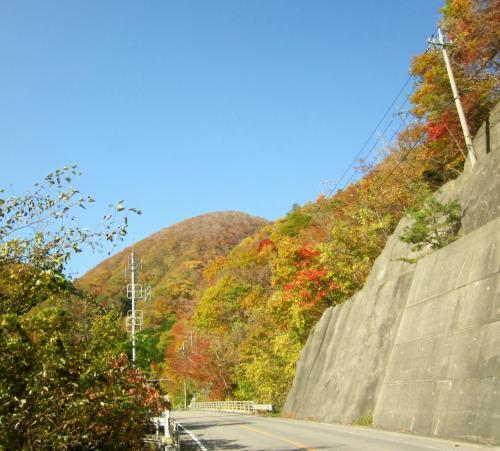 これからお頭トンネルを抜けて日光市上三依地区へと行きます。