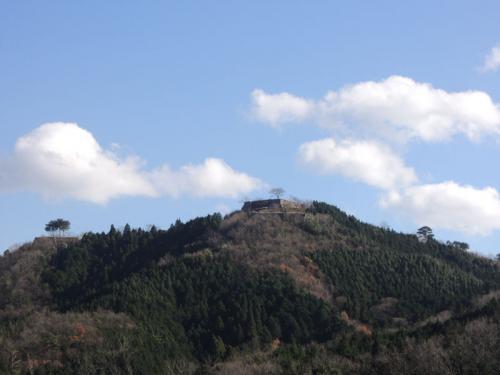 お店を出ると、遠くに竹田城が見えた。