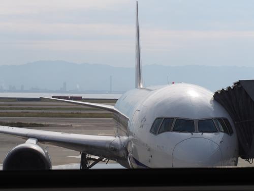 <br />関西国際空港から、全日空175便にて、香港へ<br />