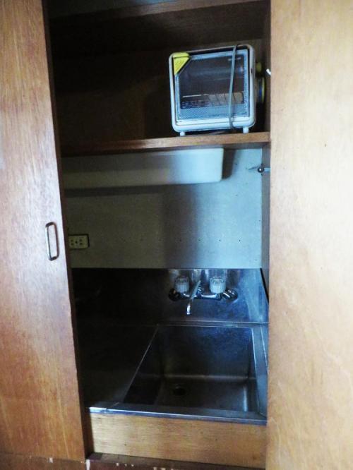 2階にも小さいながらキッチンが備えられていた。