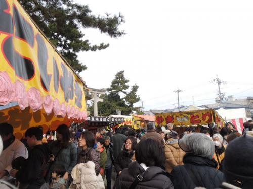 北野天満宮に到着。初天神ということで、参拝客が多い。