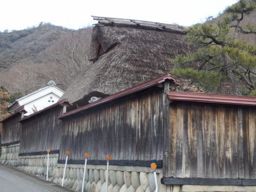 この古風な建物は山仲間によると、隠れ家的なお店だそうです。