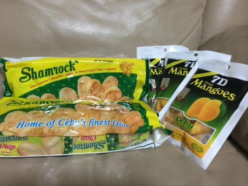 フィリピン伝統のパイ菓子OTAPに7Dのドライマンゴー<br />セブ土産の定番中の定番☆