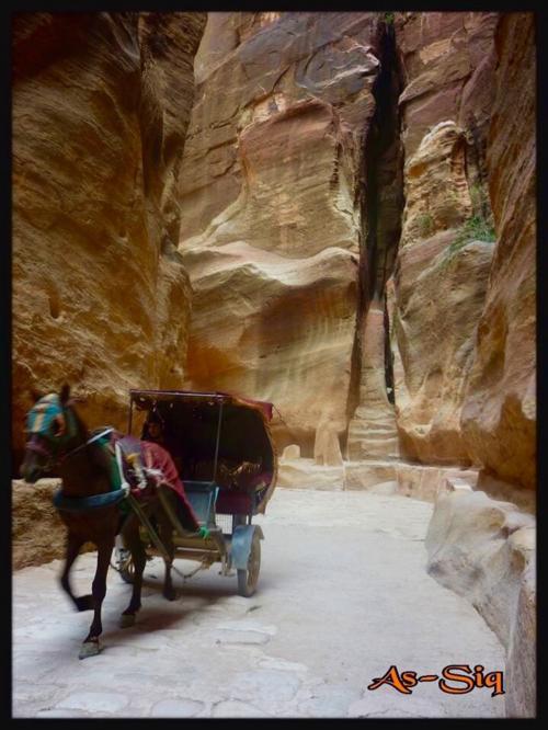 エルハズネまでは舗装されてる道<br />その先は砂の道でそれで時間すごいかかる!