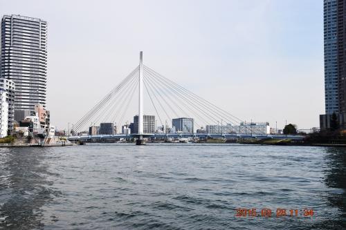 3つ目の中央大橋、1993年竣工と比較的新しい斜張橋です。<br /><br />トラベラークチコミ<br />http://4travel.jp/domestic/area/kanto/tokyo/tokyo/nihonbashi/hotplace/11322551/