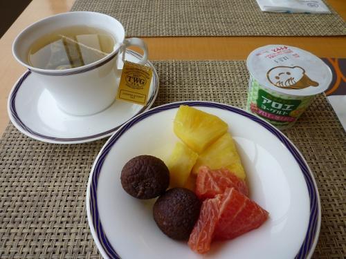 紅茶はTWG♪ ヨーグルトはチチヤス♪<br />クラブルームの特典を思いっきり利用させていただきました。<br /><br />