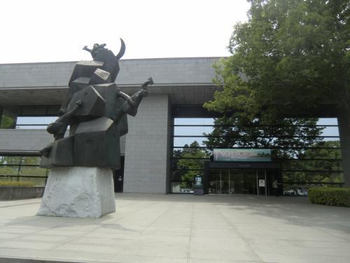 それでも少し早めに仙台に到着したので、青葉城の三の丸跡にある仙台市博物館を見学してみます。<br /><br />伊達政宗公関連の史料を見てみたかったので。