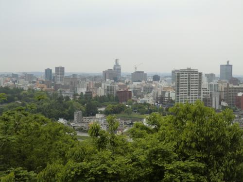 仙台の街を見渡す。