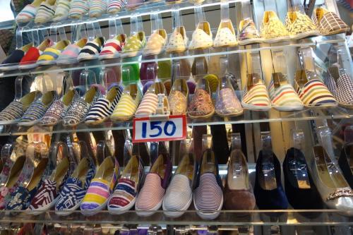 靴やサンダルも豊富