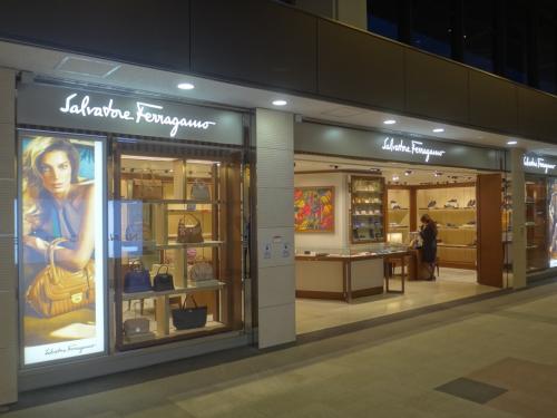 成田国際空港第1ターミナル 北ウイング3F<br /><br />「サルヴァトーレ フェラガモ」の写真。