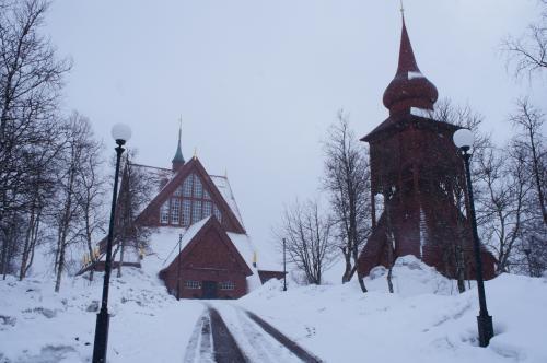 キルナ教会(Kiruna Kyrka)と鉱業通り(Gruvvägen)<br /><br />http://www.jukkasjarviforsamling.se/