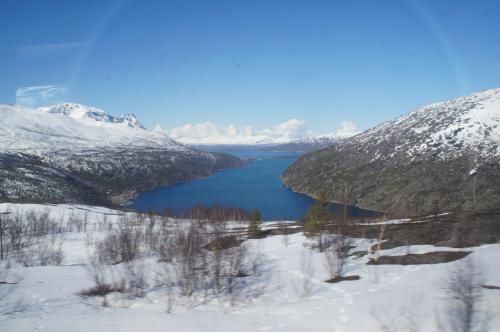 オフォート湾(Ofotfjorden)とロンバックスフィヨルド(Rombaksfjorden)