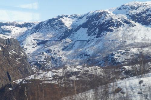 ロンバックスフィヨルド(Rombaksfjorden)<br />カテラツ駅(Katterat)付近