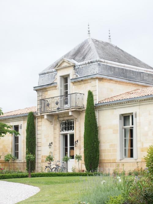 リンチバーチのホテルは 名前が リンチ バーチとは 言わず、<br />Relais & Châteauxグループ <br />Château Cordeillan-Bages シャトー コルデイヤン バージュ