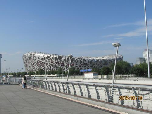 北京の鳥の巣スタジアムが見えて来ました。