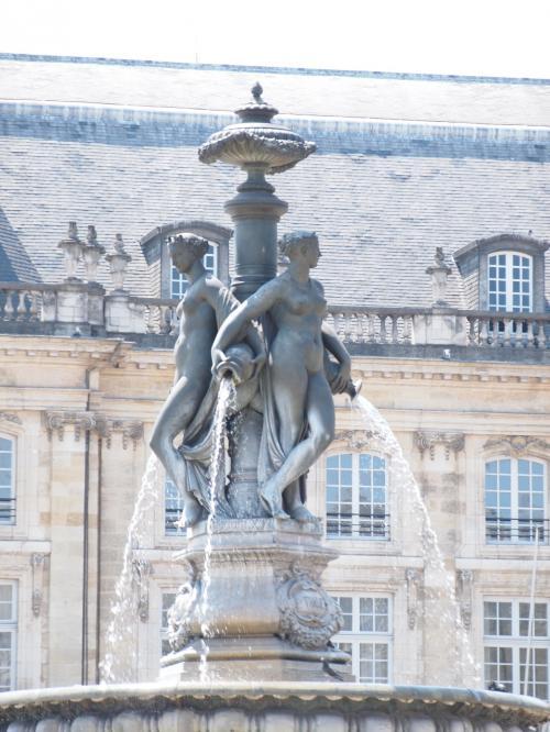 ブルス広場の噴水