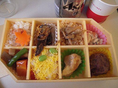 帰りの機内食<br /><br />機内食は空弁、前回よりもずっと良かったです。