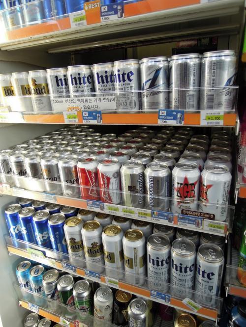 最初の楽しみは韓国産ビール。